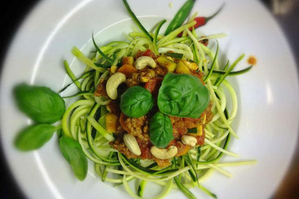 Zucchini-Spaghetti-Bolognese1