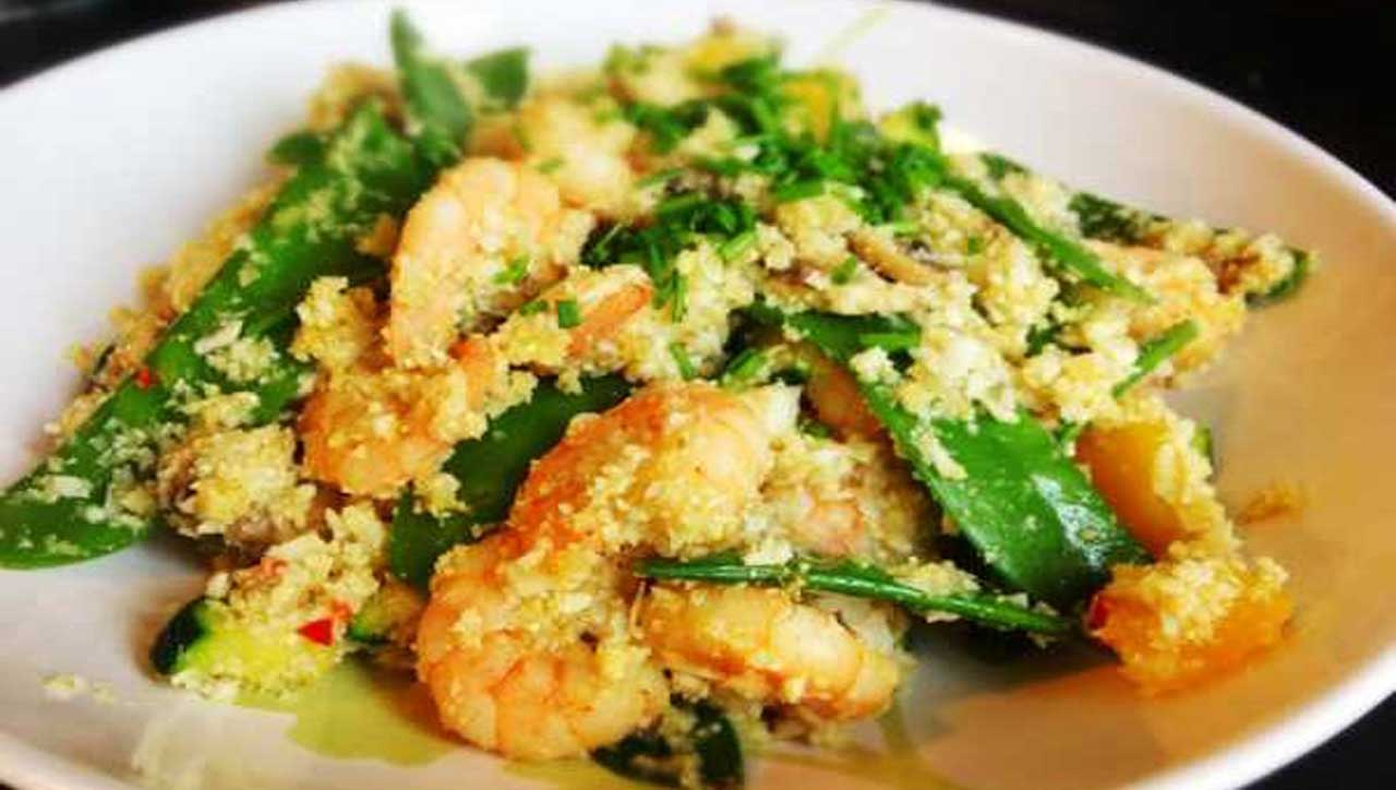 Asia Blumenkohl-Reis mit Garnelen