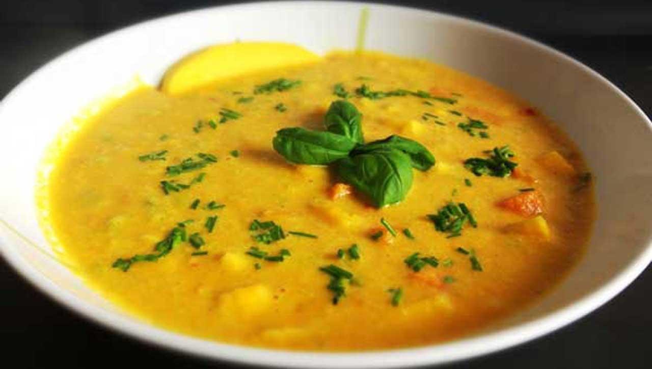 Karottensuppe mit Ingwer und Mango