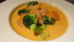 Thai Curry Suppe mit Garnelen