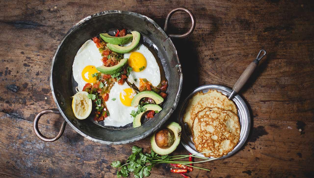 Huevos Rancheros mit Paprika-Chili-Salsa