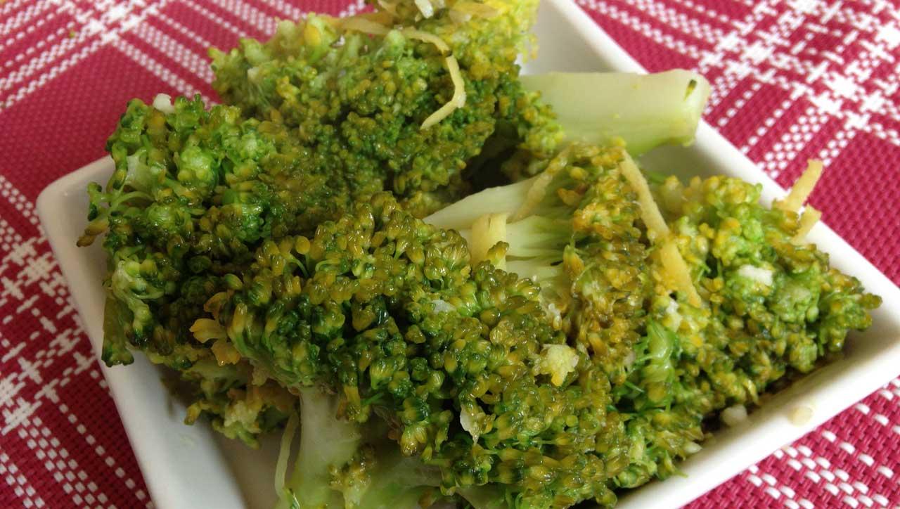 Zitronen-Knoblauch Brokkoli