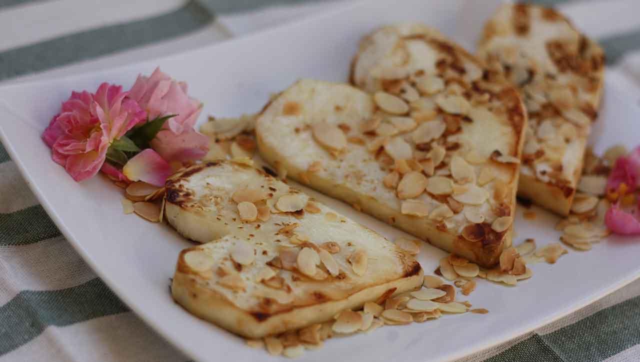 Sellerieschnitzel mit Mandeln