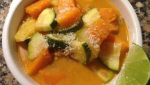 Vegetarisches Kuerbiscurry