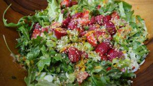Sesam Erdbeer Salat
