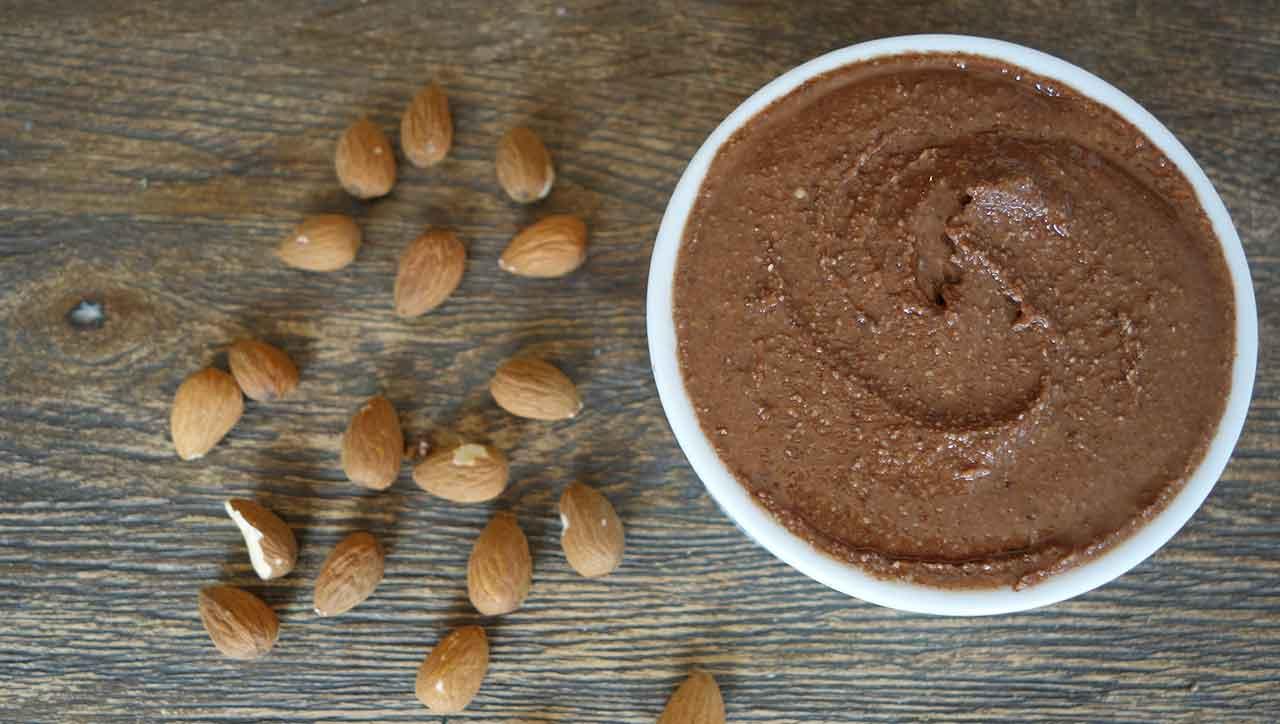 Besser als jede Schokocreme ala Nutella: Mandelbutter