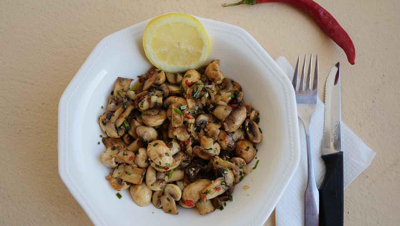 Scharfer Champignon Salat