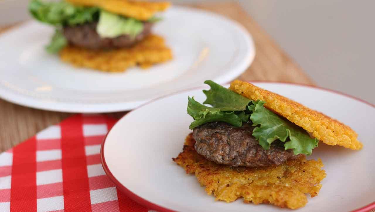 Kochbananen Patties statt langweiliges Brötchen: yesssss
