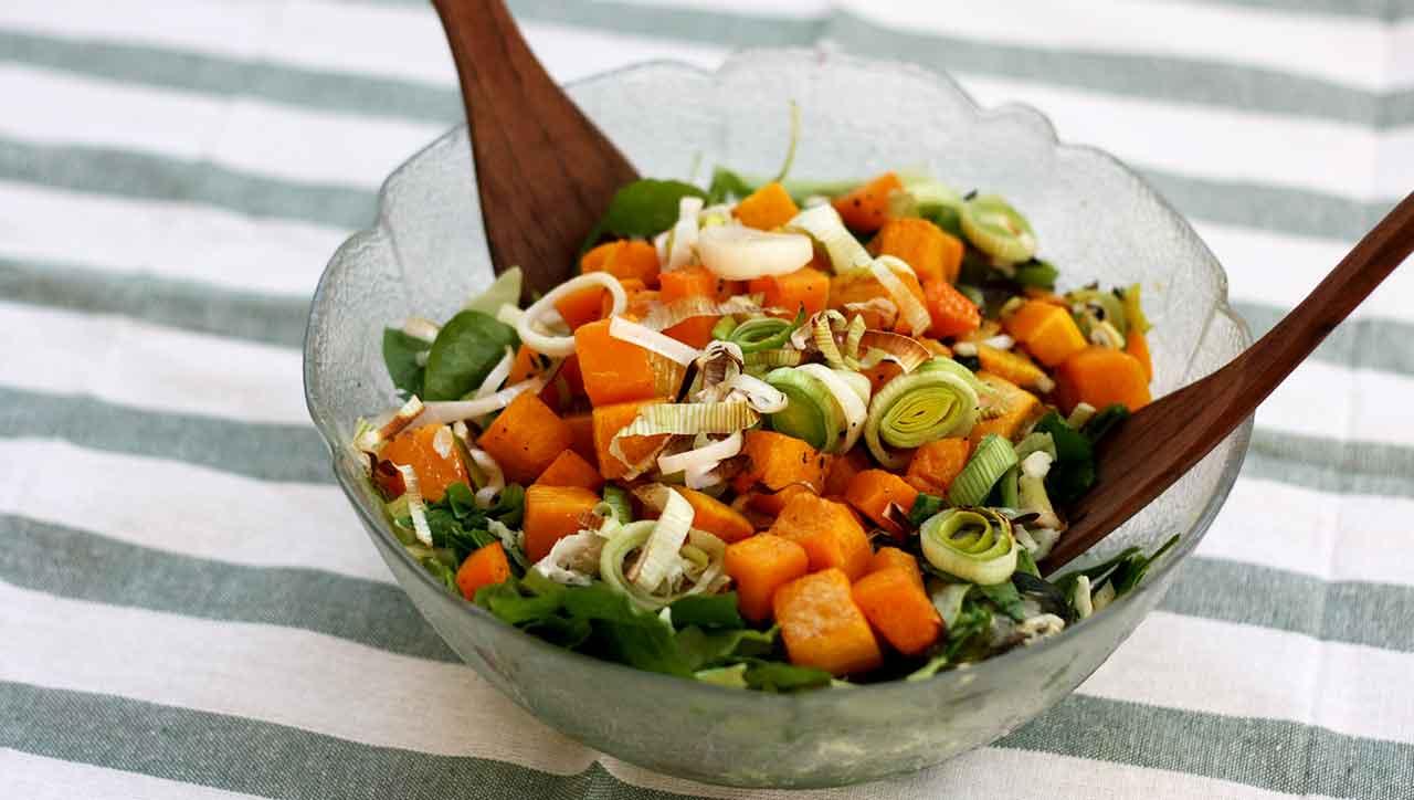 Wintersalat mit geröstetem Gemüse