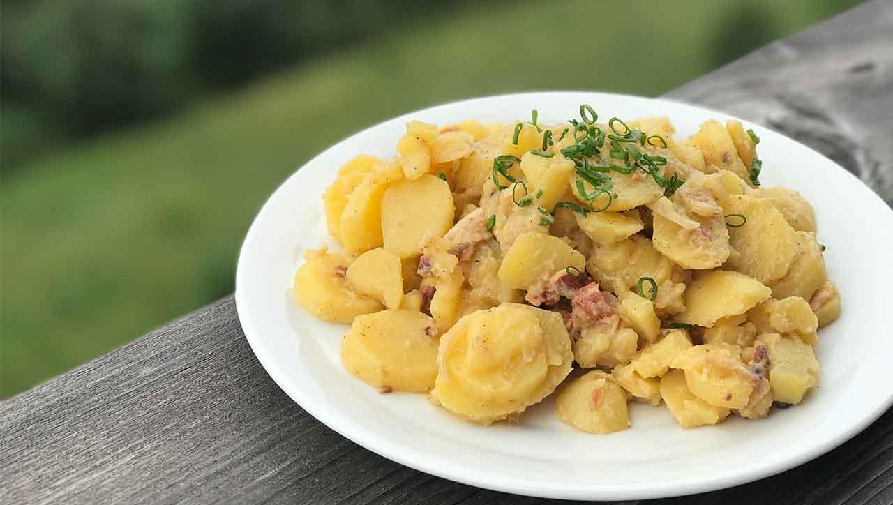 Bayrischer Kartoffelsalat mit Speck