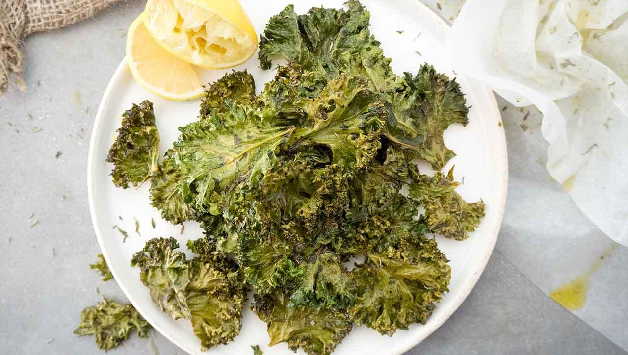 Aufgepasst - Die Grünkohl Chips sind schneller weggesnackt als man sie backen kann!