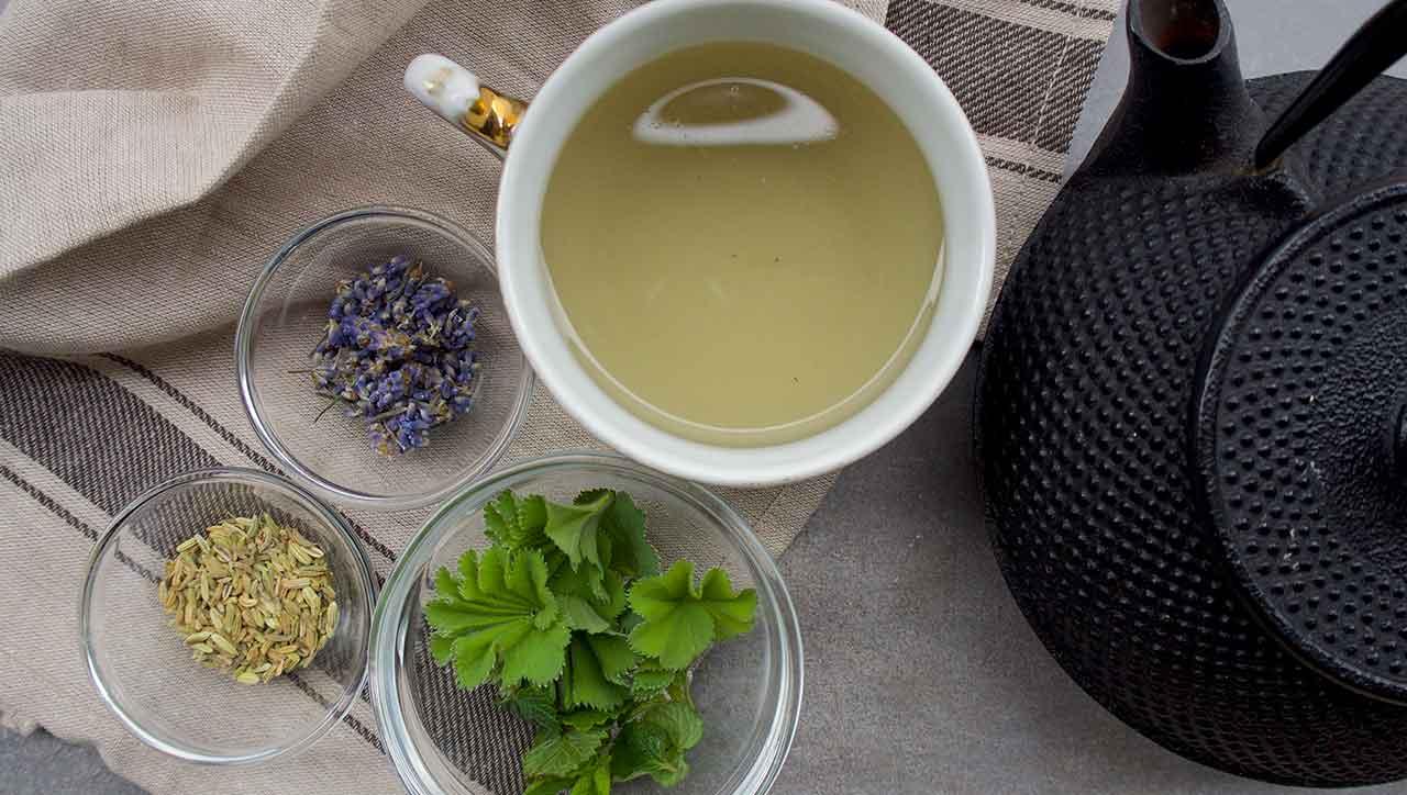 Ob Verdauungstee, Erkältungstee oder Abendtee: unsere Kräutertee Mischungen passen immer