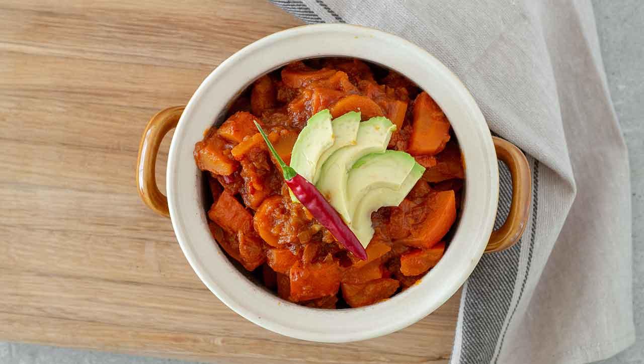 Karotte und Kürbis vereinigen sich zum Chili sin Carne